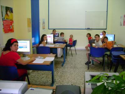 "Usuarios del Centro ""Guadalinfo""."